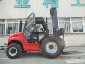 Samuk 4X4 Forklift with Imported Engine pictures & photos