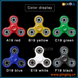 Tri Bar Finger Gyro Toy Anti Stress Hand Fidget Spinner pictures & photos