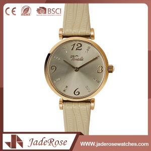 OEM Classic Leather Quartz Wrist Watch pictures & photos