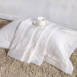 60s Cotton White Jacquard Bedding Set for Star Hotel (DPFB8099) pictures & photos