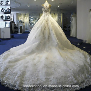 Crystals Wedding Dress Cathedral Lace Bridal Wedding Ball Gown We18 pictures & photos