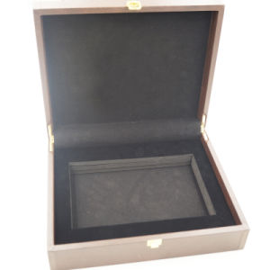 Clamshell Velvet Wood Wooden Box for Jewelry (J101) pictures & photos