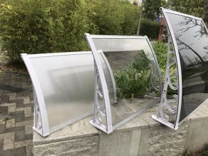 Popular Manual Assembling Plastic Frame Soundproof Balcony Shelter Wares pictures & photos