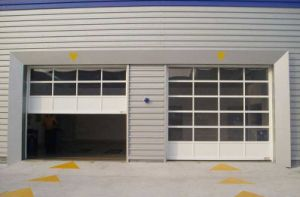 Sectional Overhead Sliding Garage Door pictures & photos