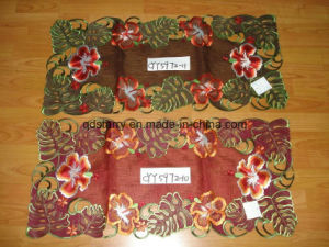 Handmade Cutwork Table Runner pictures & photos