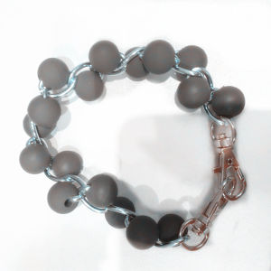Metal Chain Black Color Round Silicone Bead Bracelet pictures & photos