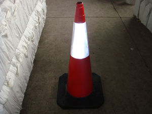 100cm Heavy Duty Recycled Rubber Traffic Cone (CC-A100) pictures & photos