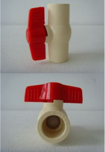 ASTM/DIN Plastic Handle CPVC Ball Valve pictures & photos
