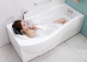 Massage Bathtub Made of High Quality Acrylic pictures & photos