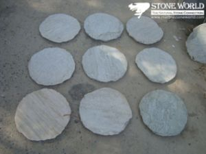 Round Grey Flagstone for Outside Garden Decoration (CS011) pictures & photos