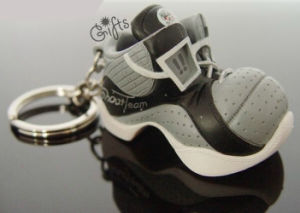 OEM Design Promotional Shoes Keyring pictures & photos