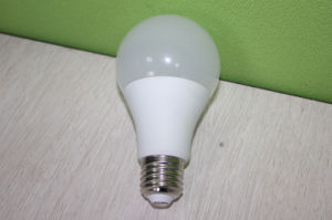 SMD 2835 Plastic+Aluminum 3W 5W 7W 9W 12W LED Light Bulb with Ce RoHS pictures & photos