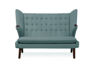 Hans J Wegner Papa Bear Sofa (loveseat) pictures & photos