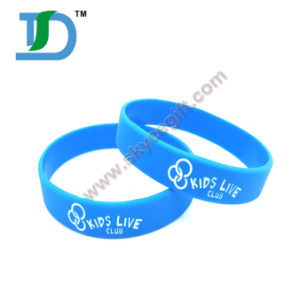 High Quality Wide Broad Silicone Wristbands pictures & photos