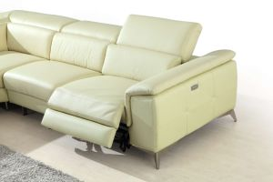 Living Room Furniture Sofa with Modern Leather Recliner Corner Sofa pictures & photos