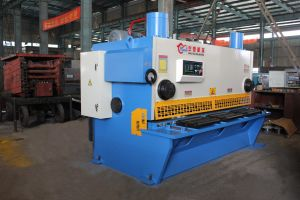 QC11k Hydraulic CNC or Nc Guillotine Shearing Machine pictures & photos