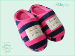 New Stripe Winter Warm Slipper for Child Kids pictures & photos