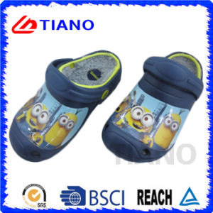 Lovely Cartoon Warm EVA Winter Clog for Children (TNK35606) pictures & photos