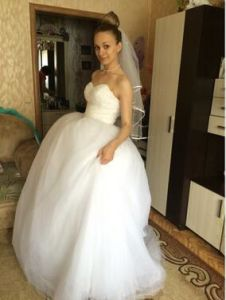 Sequins Fitting Bodice Puffy Sweetheart Wedding Dress Ball Gown 2017 pictures & photos