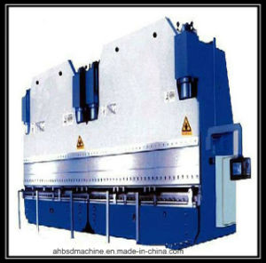Good Quality CNC Controller CNC Machinery/CNC Machining Center CNC Router Machine pictures & photos
