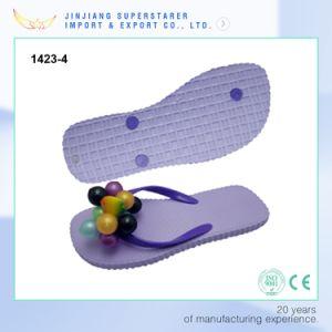 Light Flat Women Size Flip Flops with PVC Decoration Upper pictures & photos