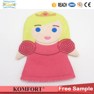 Kids Cute Girl Morocco Cleaning Hand Puppet Baby Bath Glove SPA Toy pictures & photos