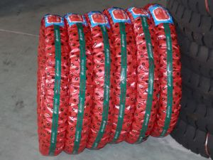 Motorcycle Tyre/Tire and Tube Tubeless 110/90-16 pictures & photos