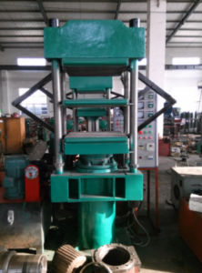 EVA Foaming Machine for Rubber Soles and Sheets pictures & photos