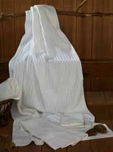 Plain White Towel pictures & photos
