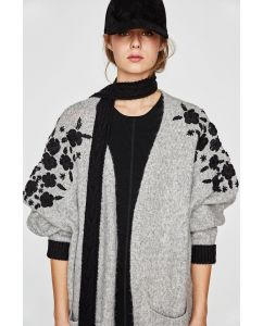 Women Fashion Oversize Cardigan Sweater with Embroidery pictures & photos