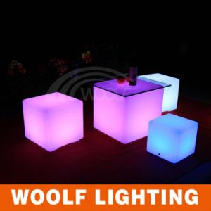 PE Material Plastic Shell Rechargeable LED Cube Light pictures & photos