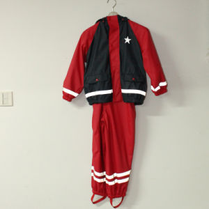 Solid Red and Navy Blue PU Reflective Rain Jacket for Children/Baby Set pictures & photos