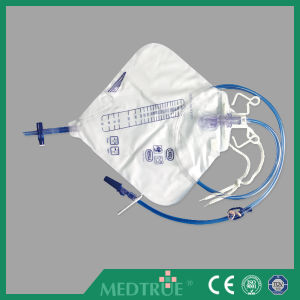 CE/ISO Approved Medical Disposable 2000ml Luxury Urine Bag (MT58043254) pictures & photos