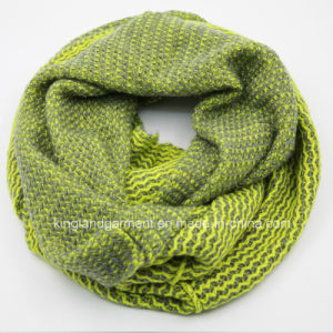 100% Acrylic Winter Warm Colorful Design Knitted Neck Scarf pictures & photos