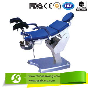 Electric Gynecological Examination Table pictures & photos