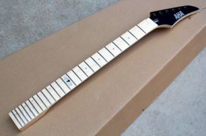 Hanhai Music / 6-String Electric Guitar Neck with Maple Fretboard pictures & photos