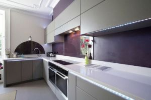 Ice White Corian Solid Surface Modern Kitchen Countertop with Sink pictures & photos