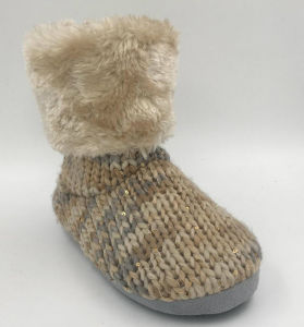 Lds Multi Knit Beautiful Indoor Boots pictures & photos