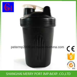 Portable Solid White Color 400ml Plastic Protein Shaker with Stainess Metal Ball pictures & photos