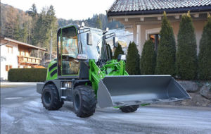 1.0 Ton Tier3 Small Front Wheel Loader with Snow Blade pictures & photos