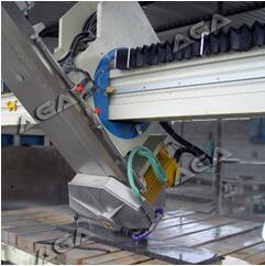 Granite Marble Tile Cutting Machine Xzqq625A Saw Machine for Countertop Fabricator pictures & photos