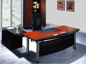 China Modern Office Furniture MFC Wooden MDF Office Table (NS-NW161) pictures & photos
