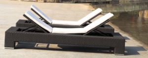 Garden Rattan/Wicker Sun Lounger for Outdoor Furniture (LN-103) pictures & photos