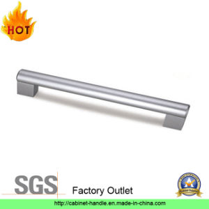 Factory Outlet Aluminum Furniture Hardware Kitchen Cabinet Pull Handle Furniture Handle (A 010) pictures & photos