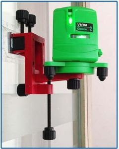 Hand Tools Danpon Laser Level Cross Line Laser Green Beams with Wall Bracket pictures & photos