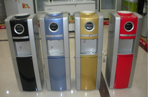 Water Dispenser with Safety Lock in Hot Taps pictures & photos