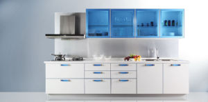 UV MDF Modern Kitchen Cabinet (ZX-013) pictures & photos