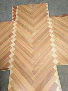 Brown Core HDF Material Laminate Art Parquet pictures & photos