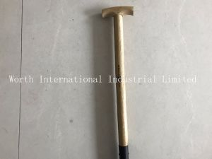 T Wood Handle Shovel Round Shovel pictures & photos
