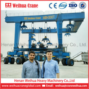 Weihua Boat Lifting Gantry Crane, Mobile Boat Hoist Crane, Yacht Handling Machine pictures & photos